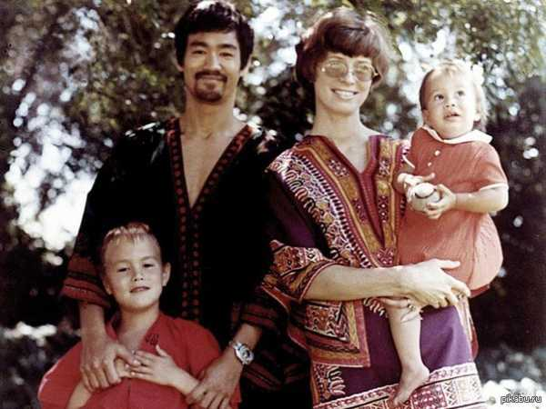 Брюс Ли биография личная жизнь семья жена дети фото