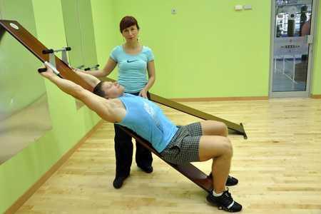 Тренировки при грыже поясничного отдела в тренажерном зале